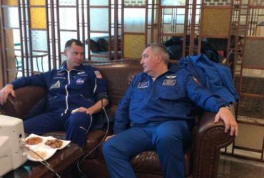При запуске ракеты «Союз» произошла авария. На борту были американец и россиянин