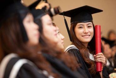 Студентам, которые ждут смены статуса на H-1B, нельзя работать с 1 октября