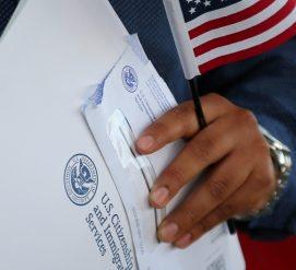 Иммиграционная служба выдала уведомления по форме I-751 с ошибками. Теперь их нужно вернуть