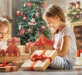 Практика русского языка в иммиграции с помощью обмена новогодними открытками между детьми