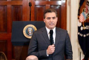 Журналисту CNN, которого выгнал Трамп, разрешили вернуться в Белый дом