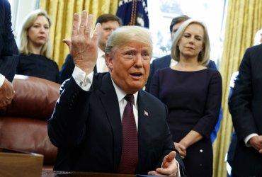 Трамп закончил писать ответы на вопросы Роберта Мюллера о российском вмешательстве в выборы