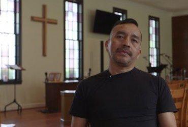 Нелегала, которого арестовали в иммиграционной службе, депортируют