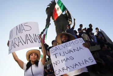 «Прочь!»: в Тихуане устроили акцию против каравана мигрантов