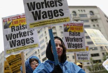 В 21 штате поднимут минимальную зарплату
