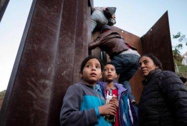 280 иммигрантов умерли при переходе американской границы