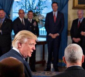 После увольнения Джеймса Коми ФБР расследовало, работает ли Дональд Трамп на Россию