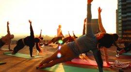 Бесплатная йога на крыше