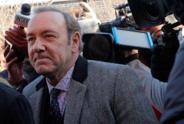 Кевин Спейси явился в суд и отказался признаваться в домогательствах
