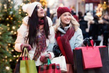 Американцы потратили рекордную сумму на праздники в 2018 году