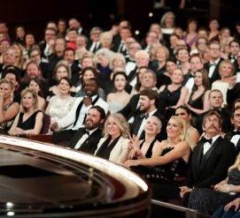 """Киноакадемия отказалась от идеи вручать несколько """"Оскаров"""" во время рекламы после возмущения общества"""