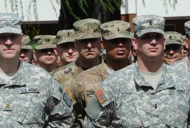 Судья запретил Пентагону дискриминировать натурализованных граждан в армии