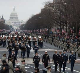 """Дональд Трамп отказался от военного парада на День независимости, но анонсировал """"Салют Америке"""""""