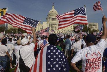 Поддержка иммиграции в США достигает рекордного уровня