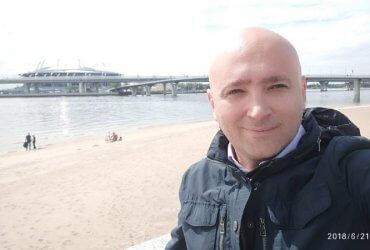Как выиграть грин-карту и остаться в России: история одного чемодана