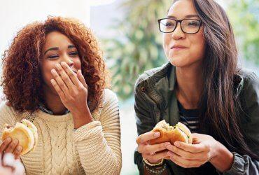 McDonald's начнет продавать веганские гамбургеры. Это может изменить американскую культуру