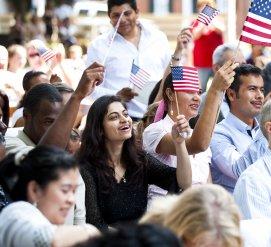 Переехать в США хотят 158 миллионов человек. Почему?