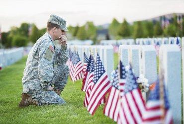 День поминовения и неделя флота: как и зачем их праздновать