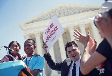 Десятилетия вне закона: сколько нелегальные иммигранты живут в США