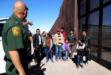 Без суда и следствия: ускоренную депортацию теперь могут применять по всей стране