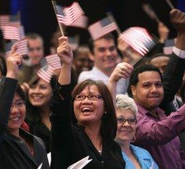 Гражданами США станут 7500 иммигрантов ко Дню независимости