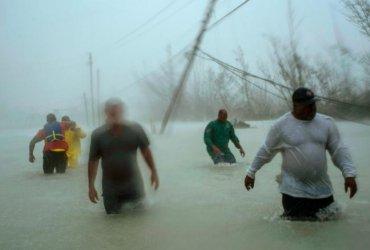 Ураган Дориан разрушил Багамы и надвигается на США