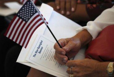 Правительство будет создавать фейковые аккаунты для слежки за иммигрантами