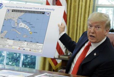 Трамп предлагает сбрасывать на ураганы ядерные бомбы. Это поможет?