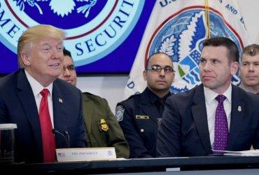 """Акции протеста: Флорида против """"ограбления"""" жертв урагана в пользу Иммиграционной полиции"""