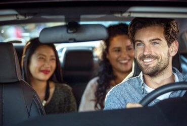 Безопасность в Uber: для водителей и пассажиров появятся уникальные пин-коды, а 911 будет в приложении
