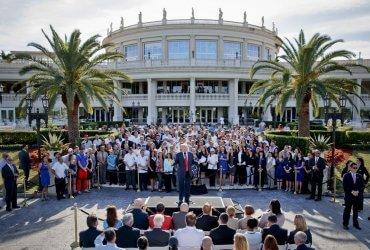"""Трамп передумал проводить саммит """"Большой семерки"""" в своем гольф-клубе"""