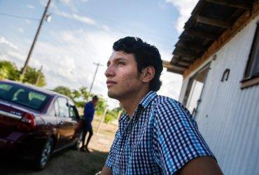 Гражданин США, которому грозит депортация, будет ждать суда еще год