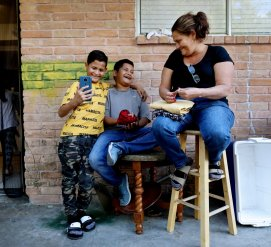 Отправили в Мексику по воле случая: как близнецы просили убежища, но попали по разные стороны границы