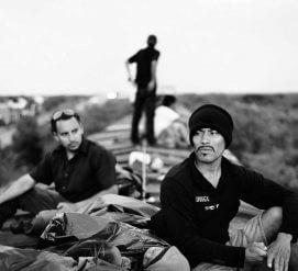 Американка-фотограф шесть раз ездила с караваном иммигрантов. Что она узнала?