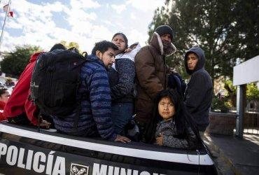 Иммигрантов отправляют ждать убежища в приграничные города, где процветает насилие