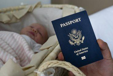 Родильный туризм в США запретили. Что это значит?