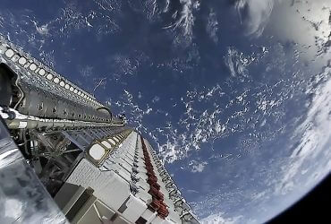SpaceX запускает на орбиту еще 60 интернет-спутников Starlink