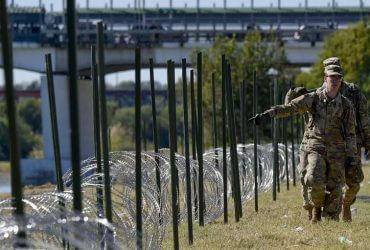 Землевладельцы в Техасе судятся с правительством из-за строительства стены