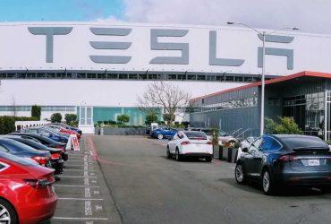 Акции Tesla взлетели на 40% после оптимистичных прогнозов аналитиков. И снова упали на 17%