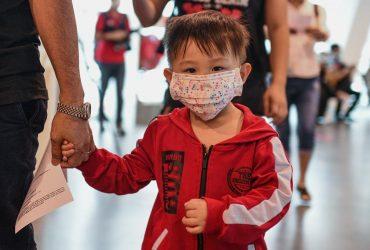 Почему коронавирус, как правило, щадит детей?