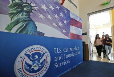 Новый закон о социальных льготах для иммигрантов сегодня вступил в силу. Объясняет адвокат