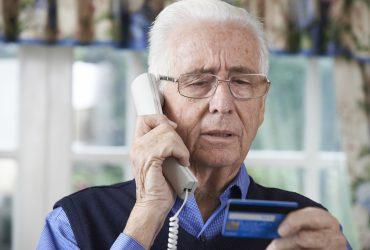 Более 400 мошенников, обманувших пожилых американцев, получили обвинения