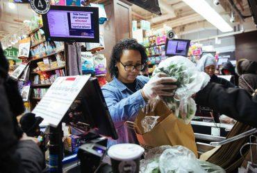 В Нью-Йорке запретили пластиковые пакеты