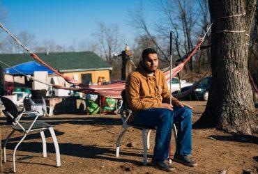 Незрячему иммигранту отказали в гражданстве, потому что он не смог прочесть тест