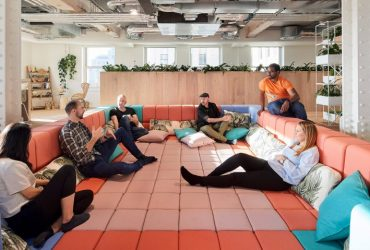 Офисы меняются: меньше столов, больше пространства для сотрудничества
